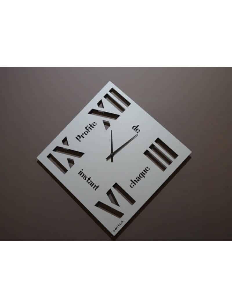 "Horloges -Horloge carrée ""Profite de chaque instant"""