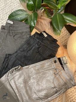 Pantalons & Jeans -Pantalon enduit imprimé python