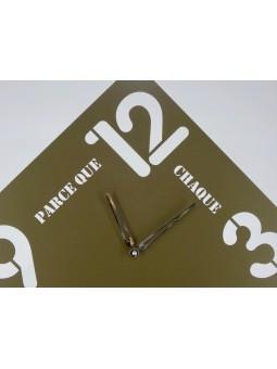 """Horloges -Horloge carrée """"Parce que chaque minute compte"""""""